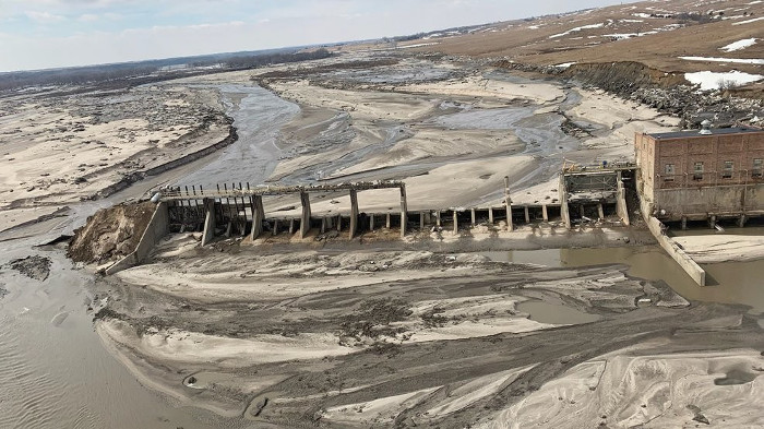 Photo: Destroyed by floods: collapse of Nebraska's Spencer Dam